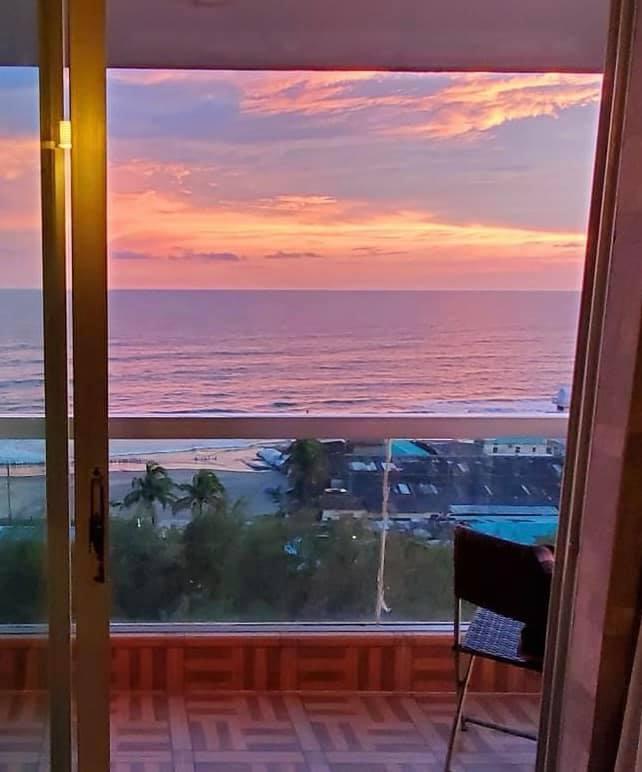 Long Beach Hotel, Cox's…